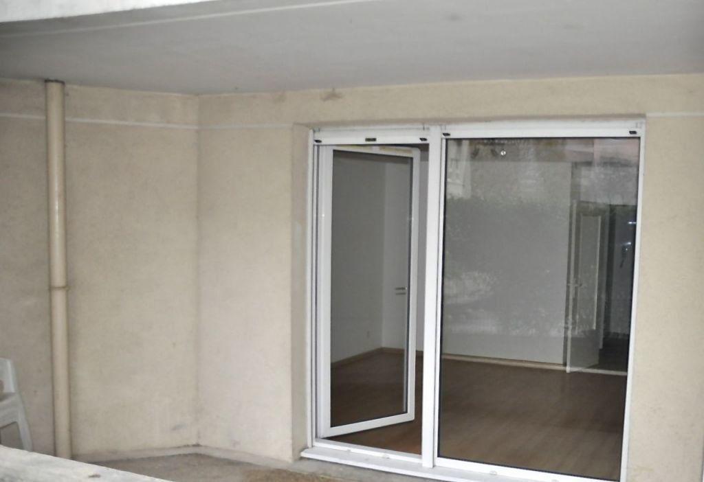 Appartement à louer 4 77.64m2 à Lyon 7 vignette-3