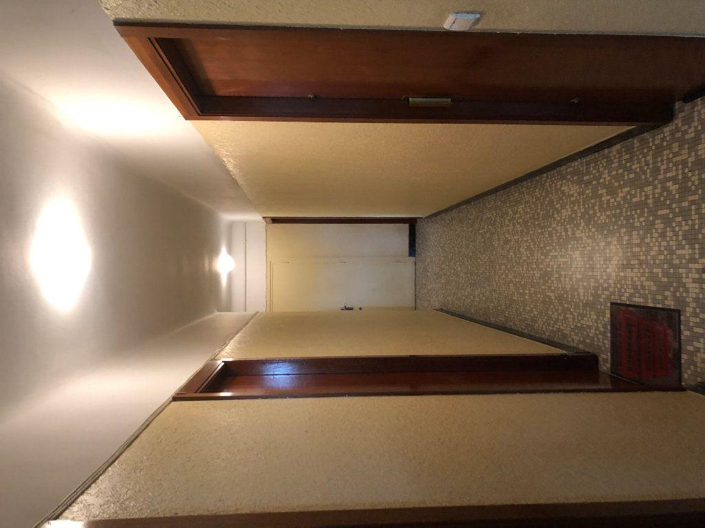 Appartement à louer 1 10m2 à Lyon 3 vignette-6