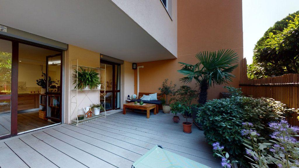 Appartement à vendre 3 65.7m2 à Lyon 7 vignette-3
