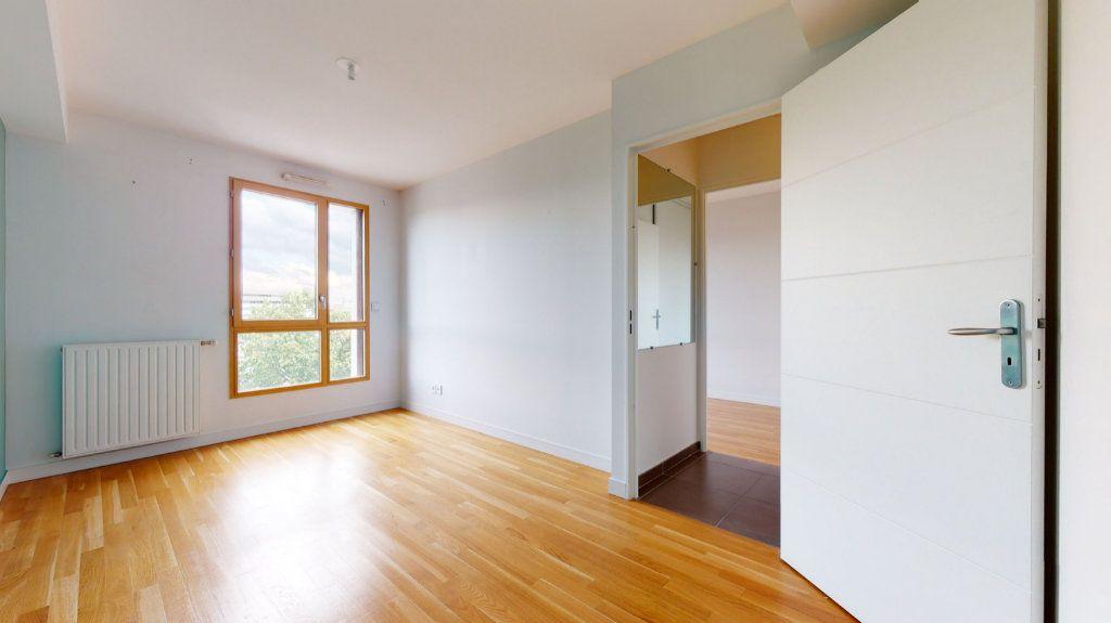 Appartement à vendre 4 100.51m2 à Lyon 7 vignette-4