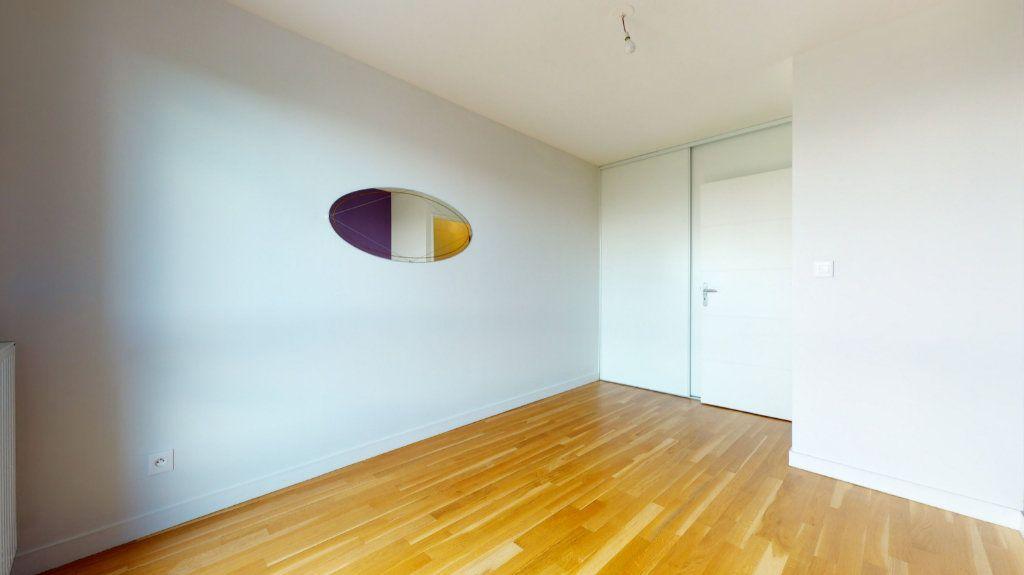 Appartement à vendre 4 100.51m2 à Lyon 7 vignette-7