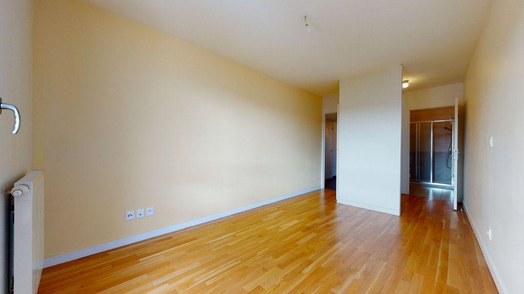 Appartement à vendre 4 100.51m2 à Lyon 7 vignette-9