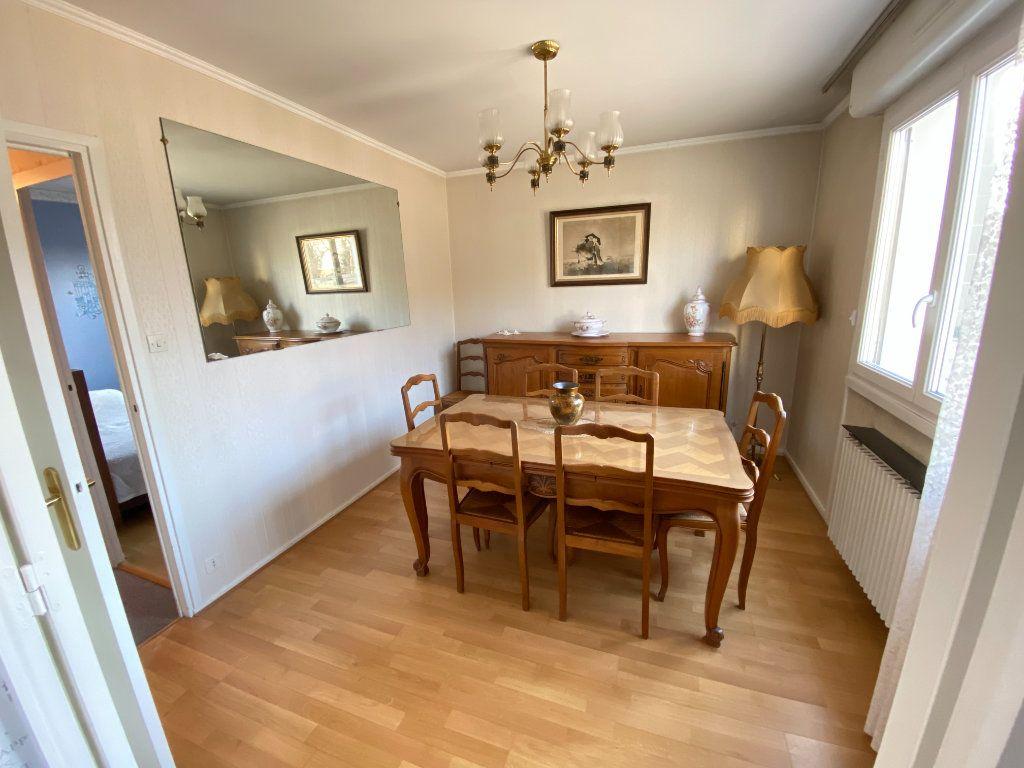 Appartement à vendre 3 67.34m2 à Lyon 7 vignette-11