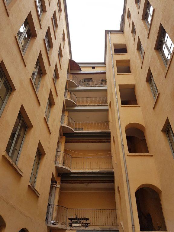 Appartement à louer 4 89.6m2 à Lyon 1 vignette-7