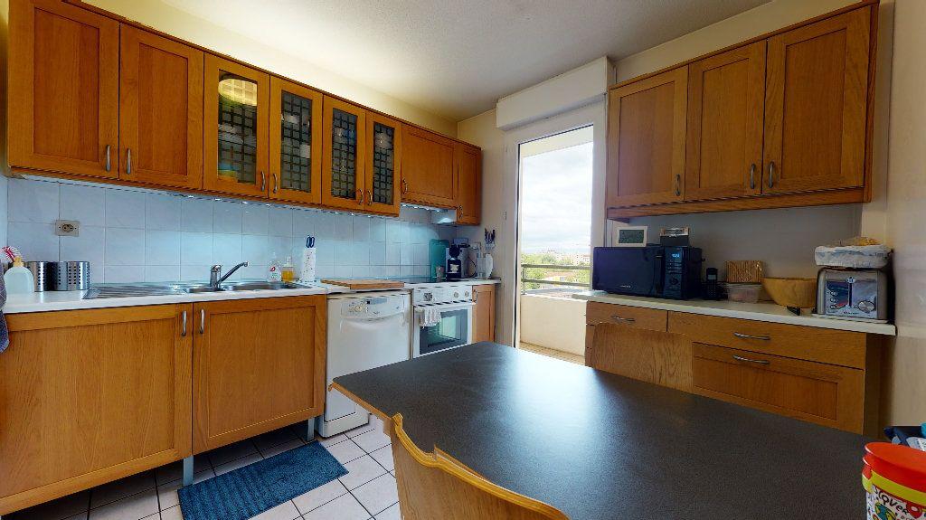 Appartement à vendre 5 106.4m2 à Lyon 7 vignette-5