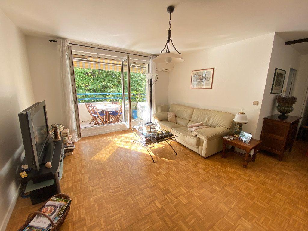 Appartement à vendre 4 79.5m2 à Lyon 7 vignette-3