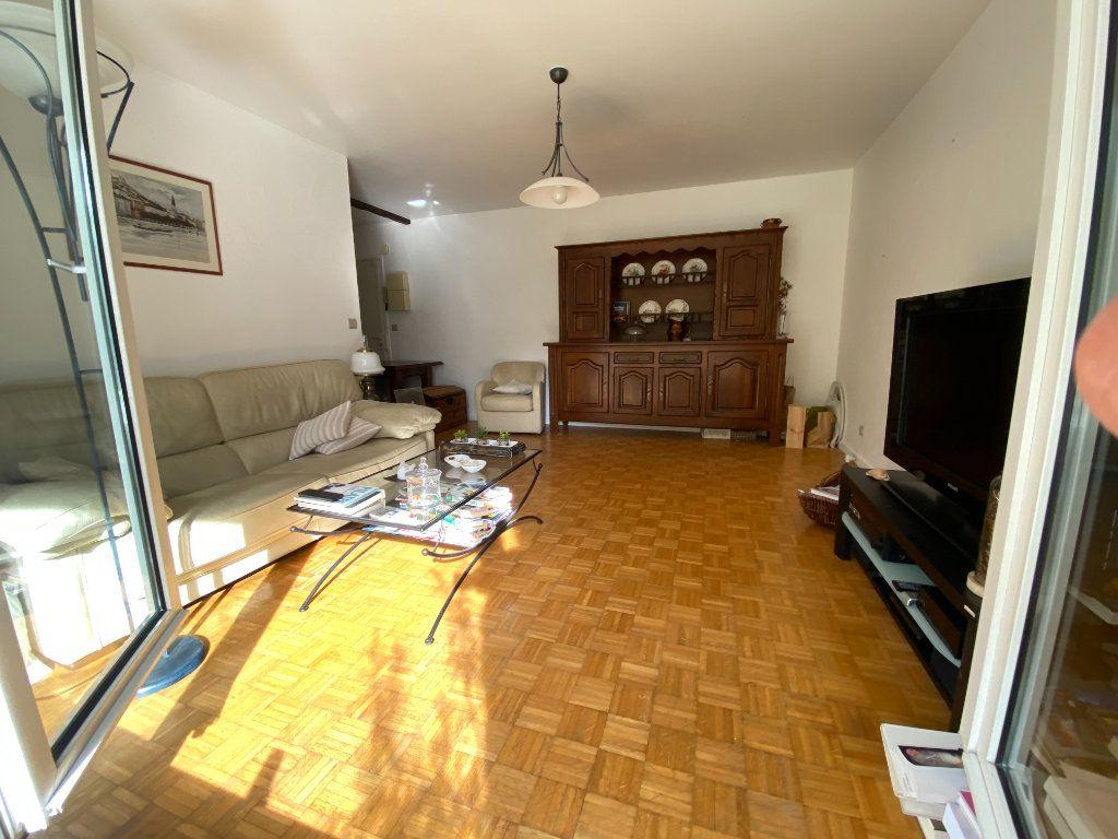 Appartement à vendre 4 79.5m2 à Lyon 7 vignette-5