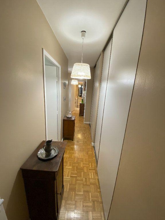 Appartement à vendre 4 79.5m2 à Lyon 7 vignette-7