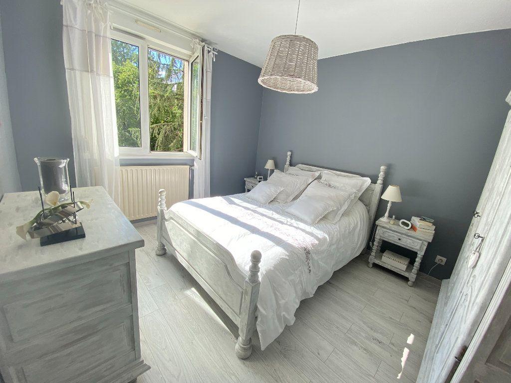 Appartement à vendre 4 79.5m2 à Lyon 7 vignette-10