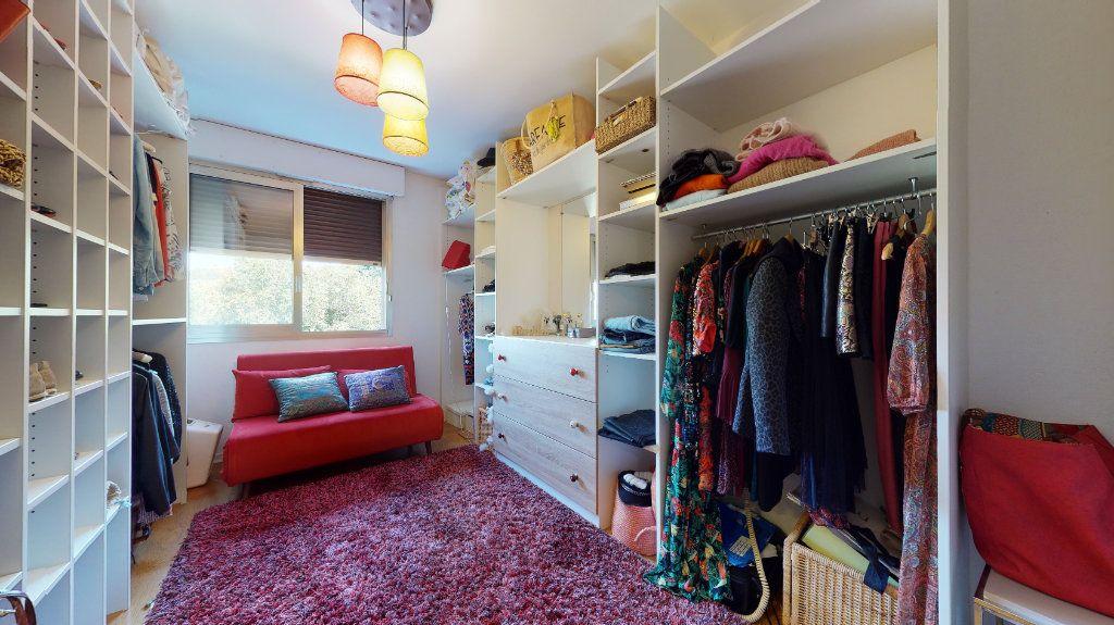 Appartement à louer 3 70m2 à Lyon 4 vignette-2