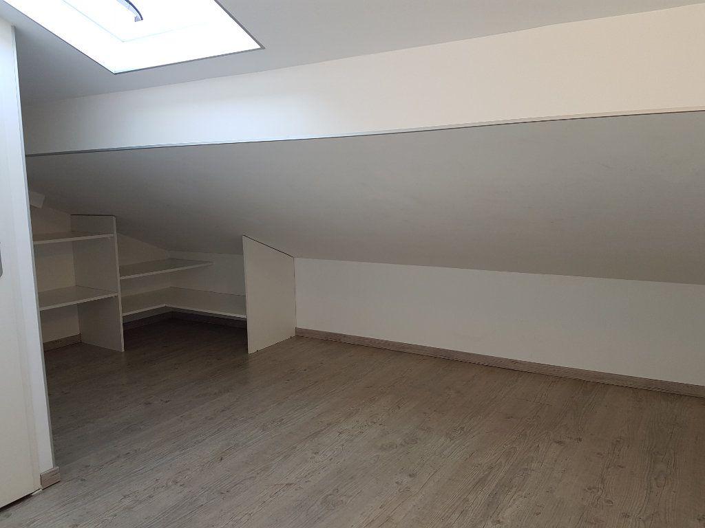 Appartement à louer 2 39m2 à Saint-Priest vignette-3