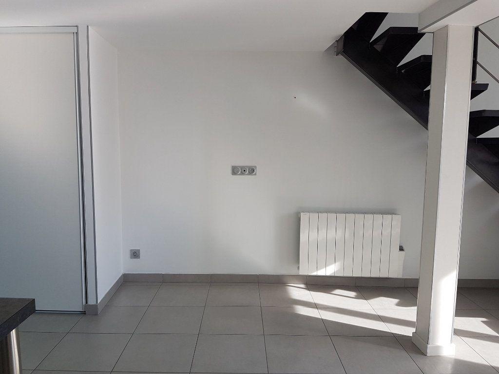 Appartement à louer 2 39m2 à Saint-Priest vignette-6