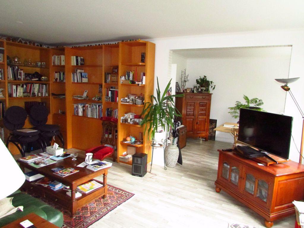Appartement à louer 4 87.1m2 à Saint-Max vignette-1
