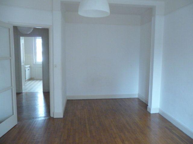 Appartement à louer 2 50.72m2 à Nancy vignette-1