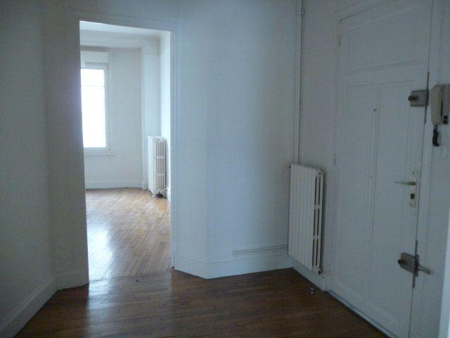 Appartement à louer 2 50.72m2 à Nancy vignette-4
