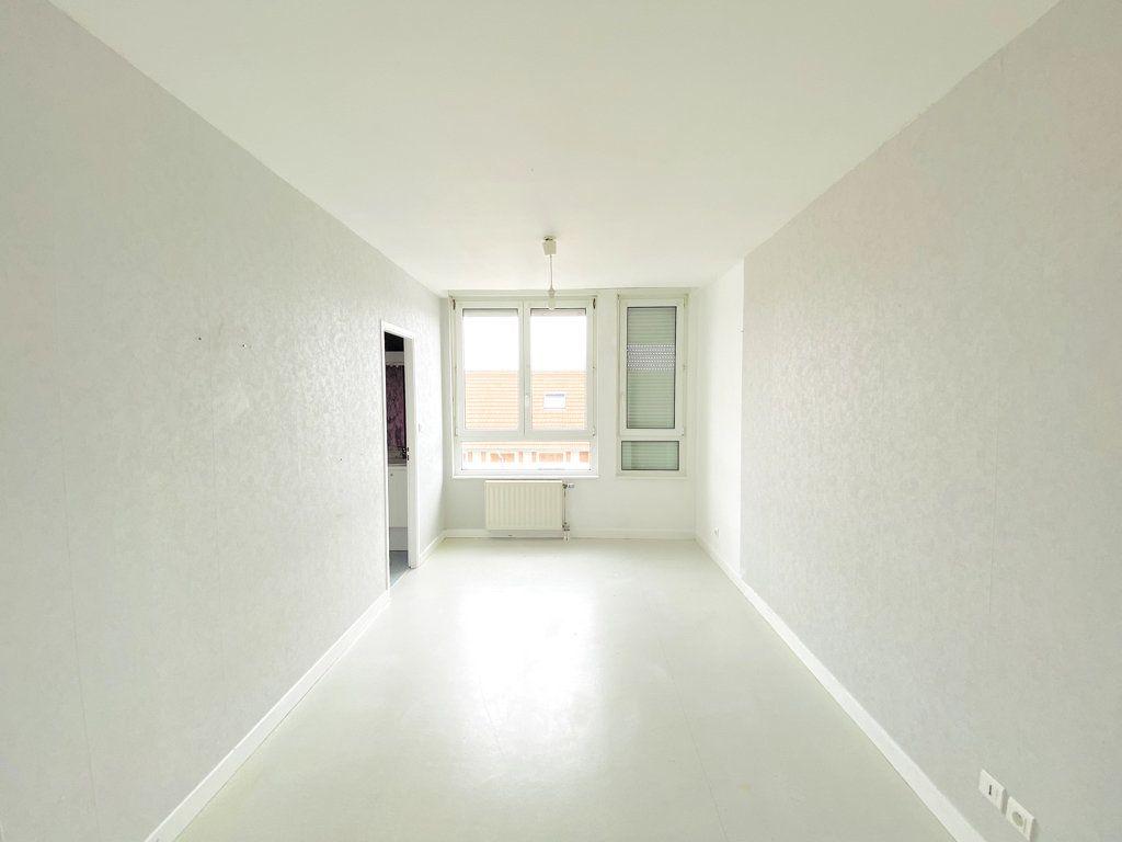 Appartement à vendre 6 128.43m2 à Nancy vignette-8