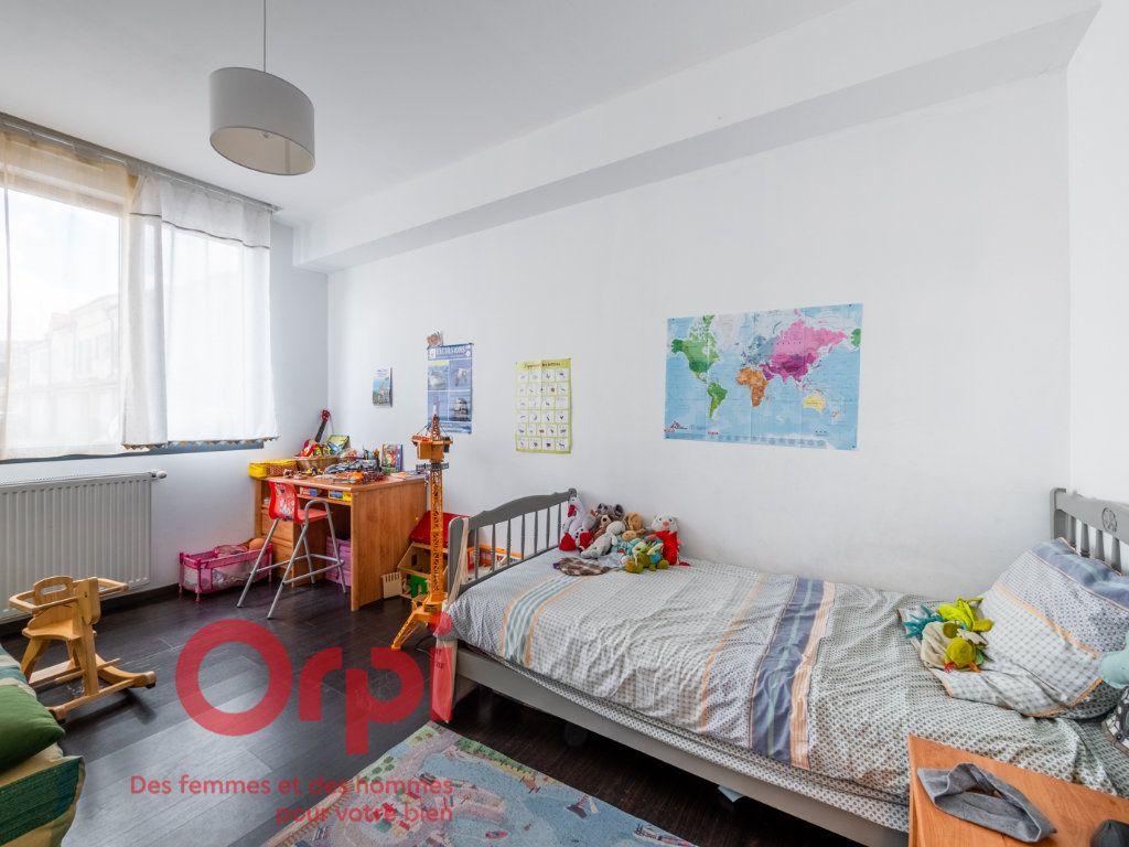 Appartement à vendre 4 124.31m2 à Nancy vignette-5