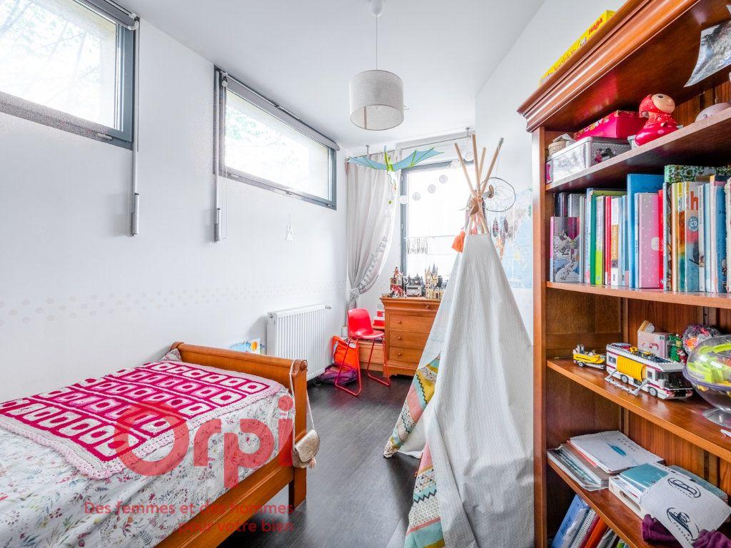 Appartement à vendre 4 124.31m2 à Nancy vignette-7