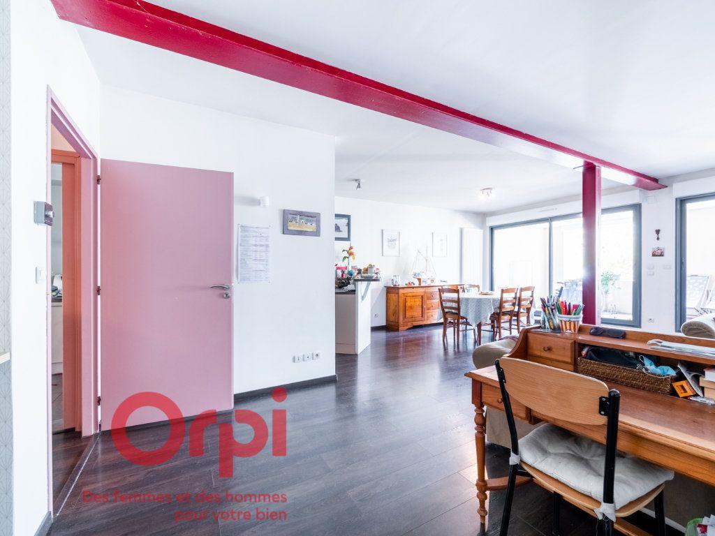 Appartement à vendre 4 124.31m2 à Nancy vignette-18