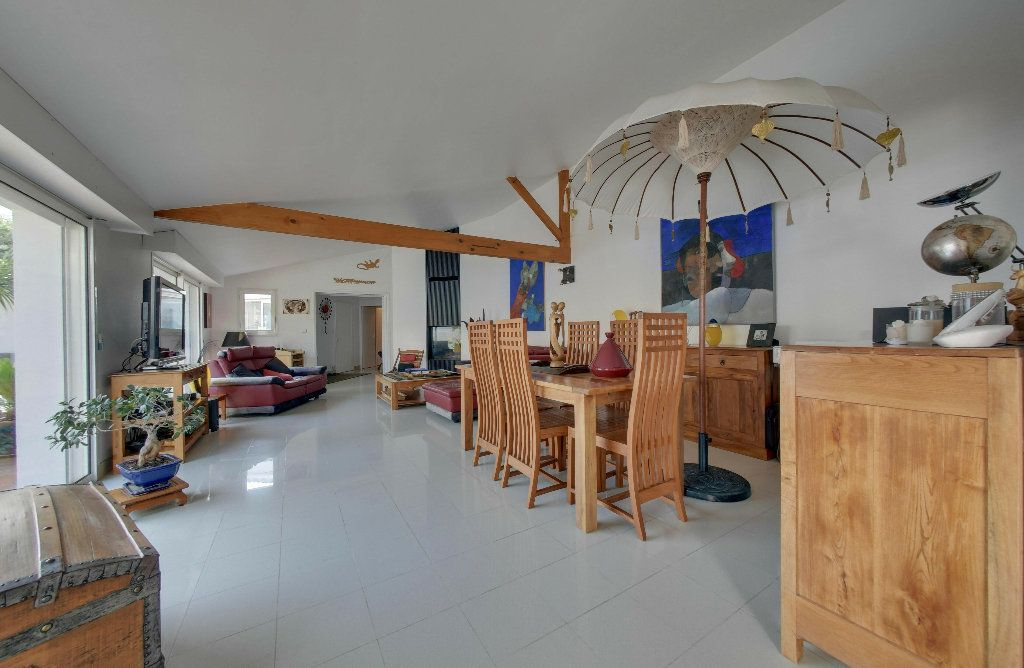 Maison à vendre 6 156m2 à Rivedoux-Plage vignette-4