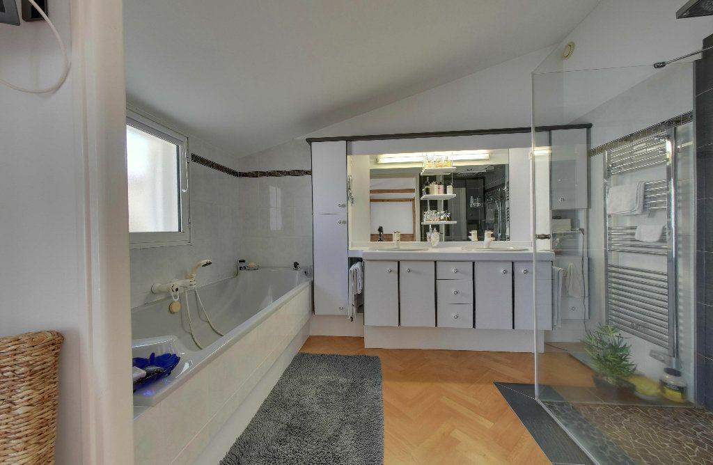 Maison à vendre 6 156m2 à Rivedoux-Plage vignette-6