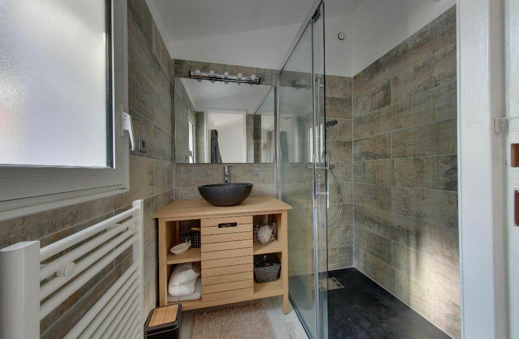 Maison à vendre 6 156m2 à Rivedoux-Plage vignette-10