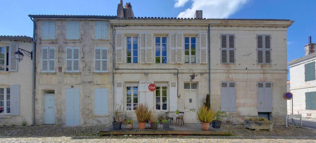 Maison à vendre 6 160m2 à Saint-Martin-de-Ré vignette-1