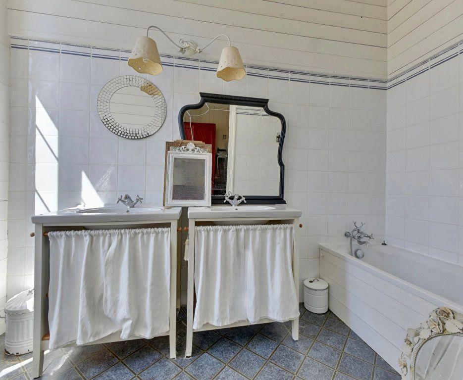Maison à vendre 6 160m2 à Saint-Martin-de-Ré vignette-11