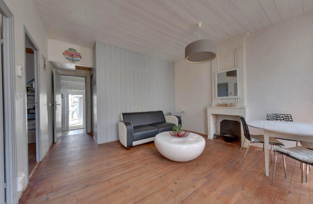 Appartement à vendre 3 48m2 à La Couarde-sur-Mer vignette-2