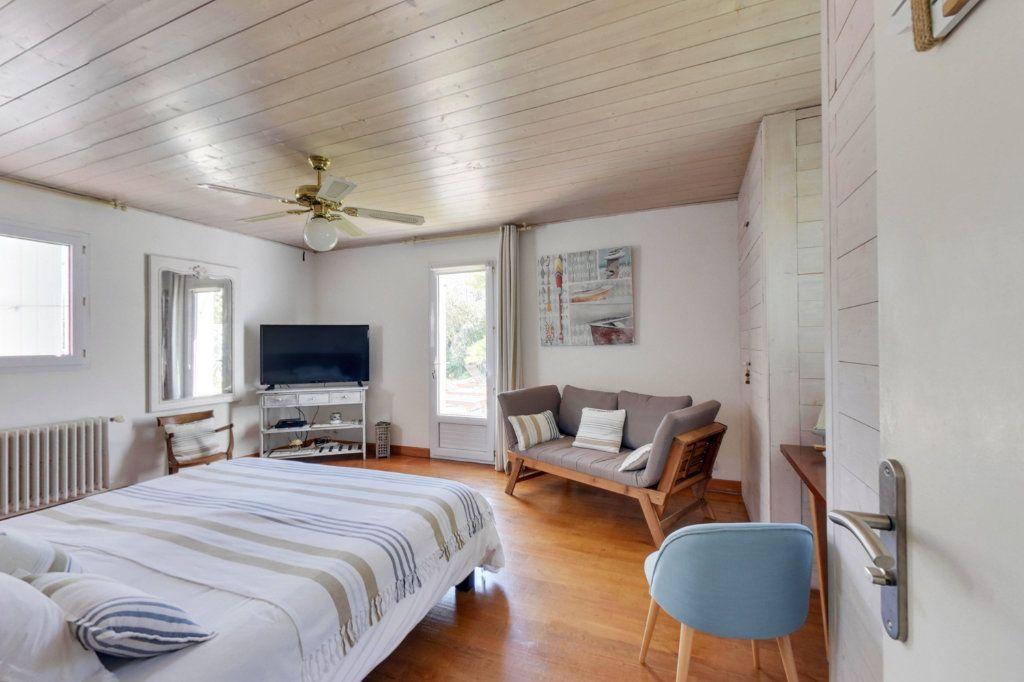 Maison à vendre 10 318m2 à Saint-Martin-de-Ré vignette-5