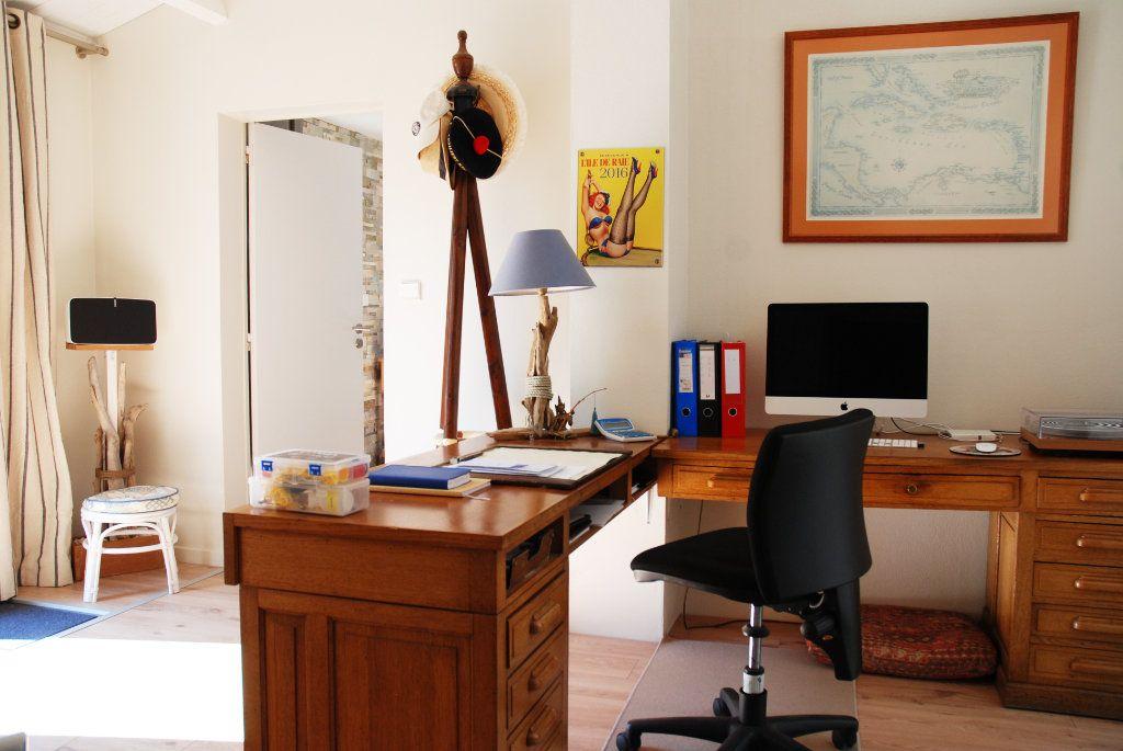 Maison à vendre 10 318m2 à Saint-Martin-de-Ré vignette-7