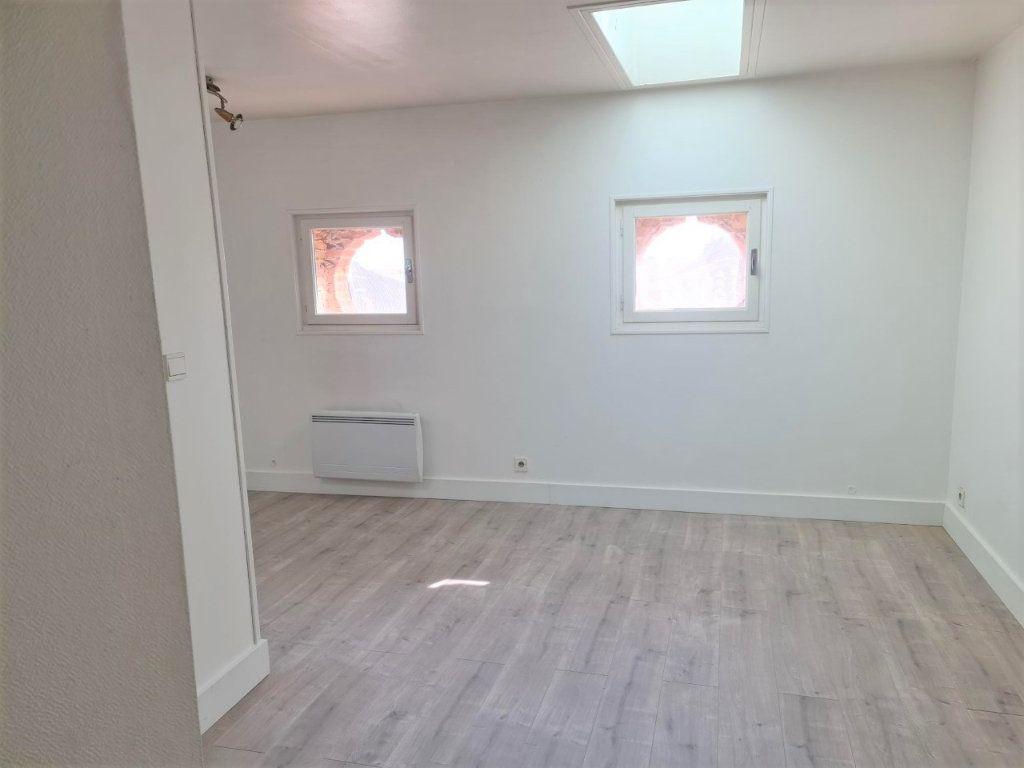 Appartement à louer 2 37m2 à Saint-Lys vignette-1