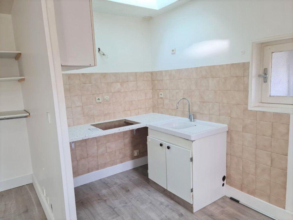 Appartement à louer 2 37m2 à Saint-Lys vignette-2