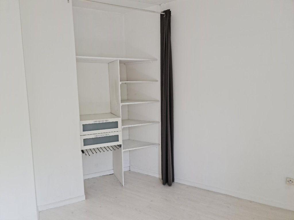 Appartement à louer 3 68m2 à Toulouse vignette-4