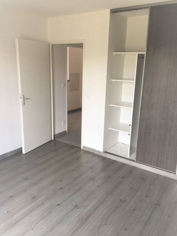 Appartement à louer 2 46m2 à Colomiers vignette-3