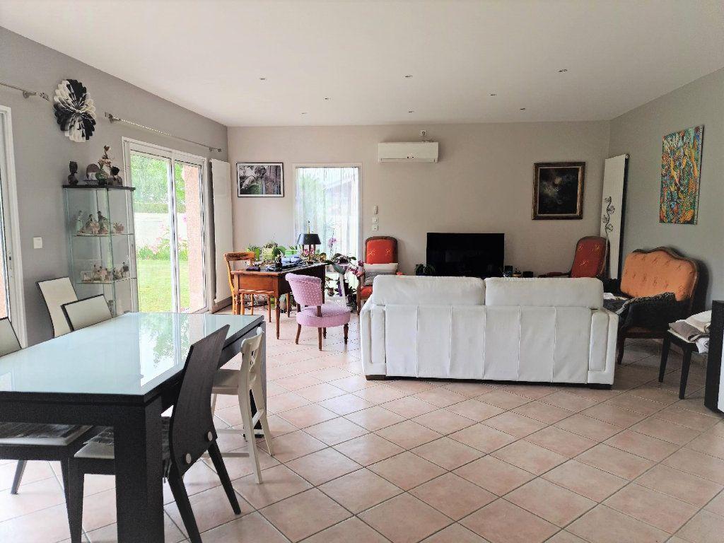 Maison à louer 5 147.24m2 à Plaisance-du-Touch vignette-2