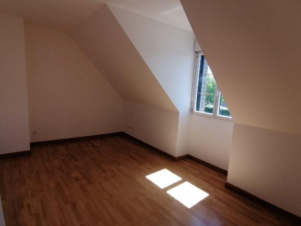 Maison à louer 5 166.31m2 à Locon vignette-6