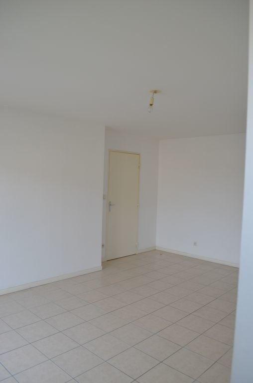 Appartement à louer 3 63m2 à Béthune vignette-1