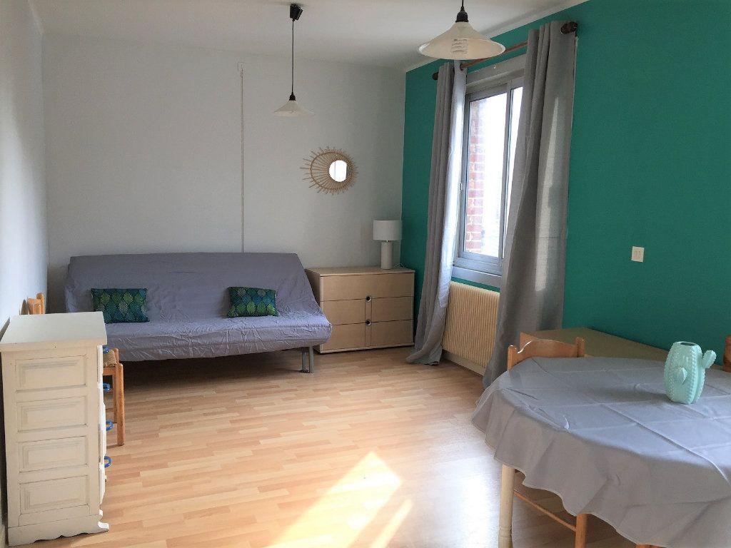 Appartement à louer 1 28.3m2 à Béthune vignette-1