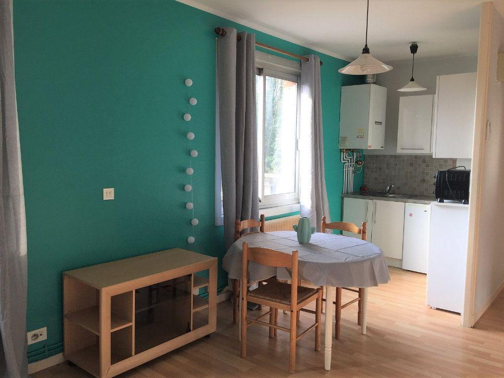 Appartement à louer 1 28.3m2 à Béthune vignette-2
