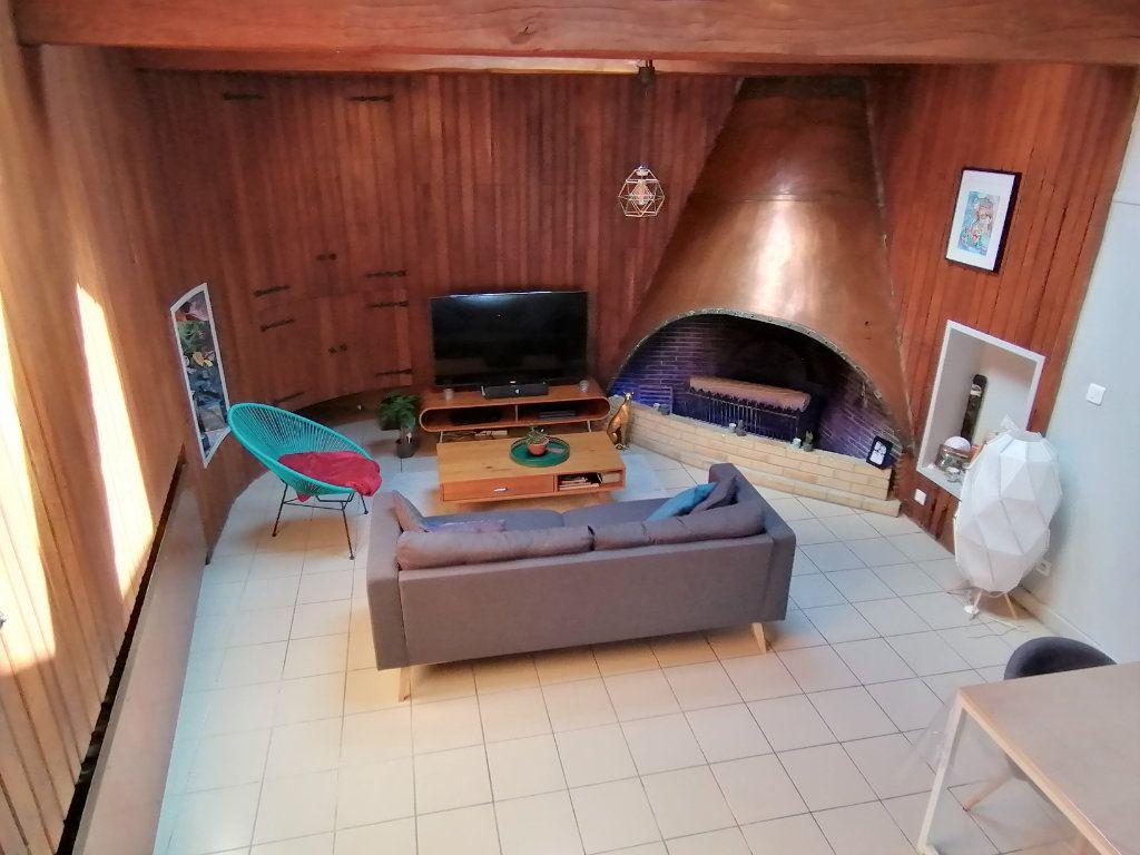 Appartement à louer 2 80m2 à Béthune vignette-1