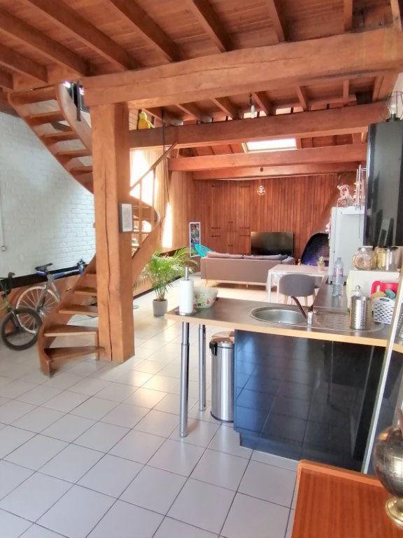 Appartement à louer 2 80m2 à Béthune vignette-2