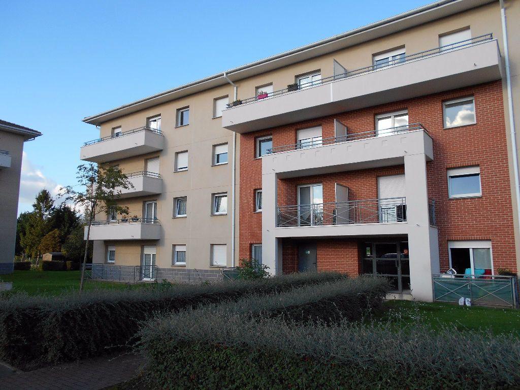 Appartement à louer 2 58m2 à Béthune vignette-1