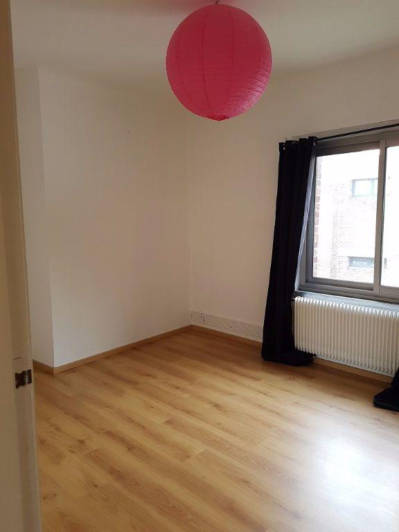 Appartement à louer 3 55m2 à Béthune vignette-3