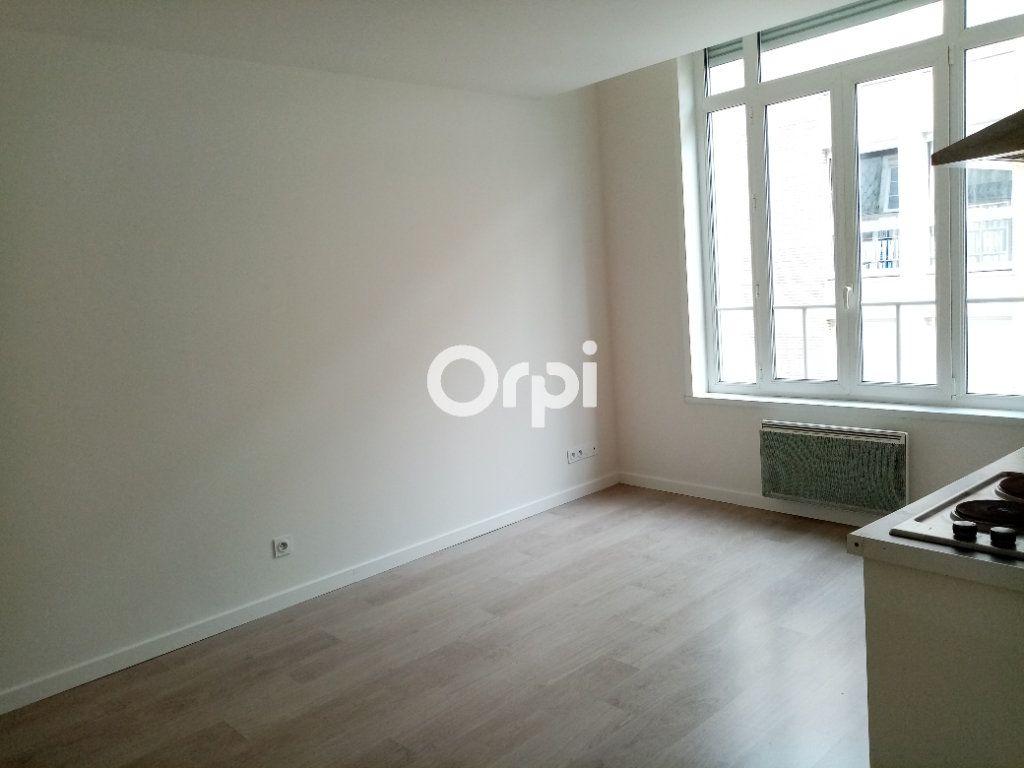 Appartement à louer 2 37m2 à Béthune vignette-2