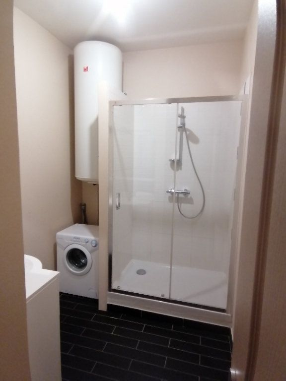 Appartement à louer 3 70m2 à Béthune vignette-3