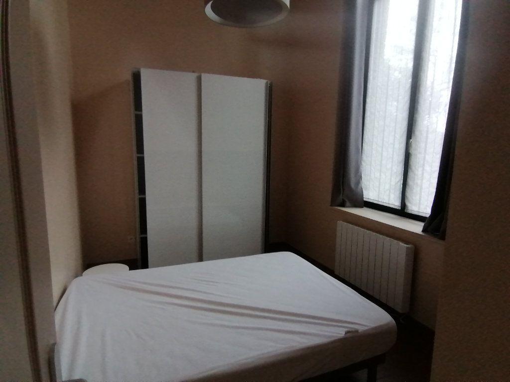 Appartement à louer 3 70m2 à Béthune vignette-5