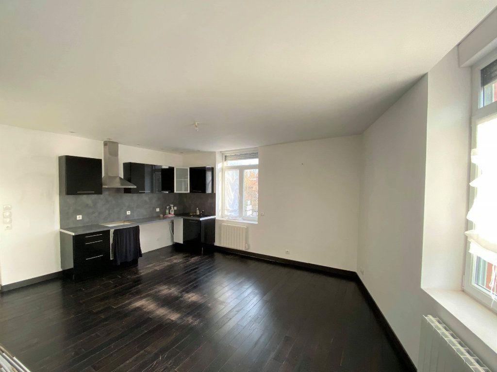 Appartement à louer 3 88m2 à Béthune vignette-1