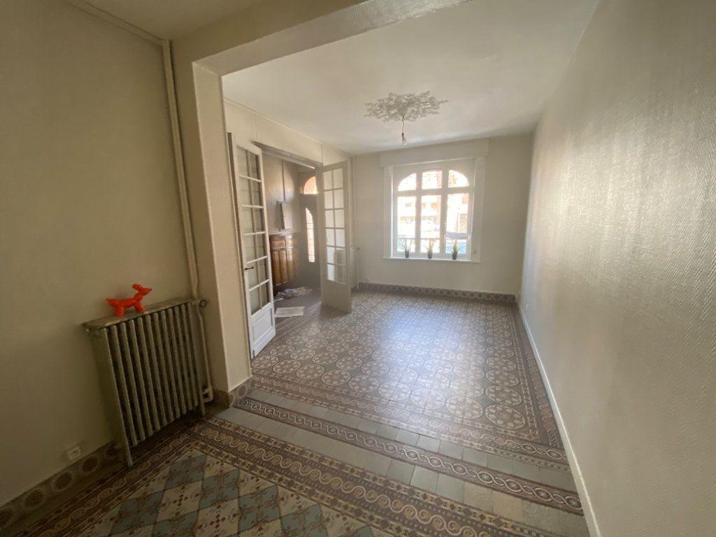 Maison à louer 3 85m2 à Béthune vignette-1