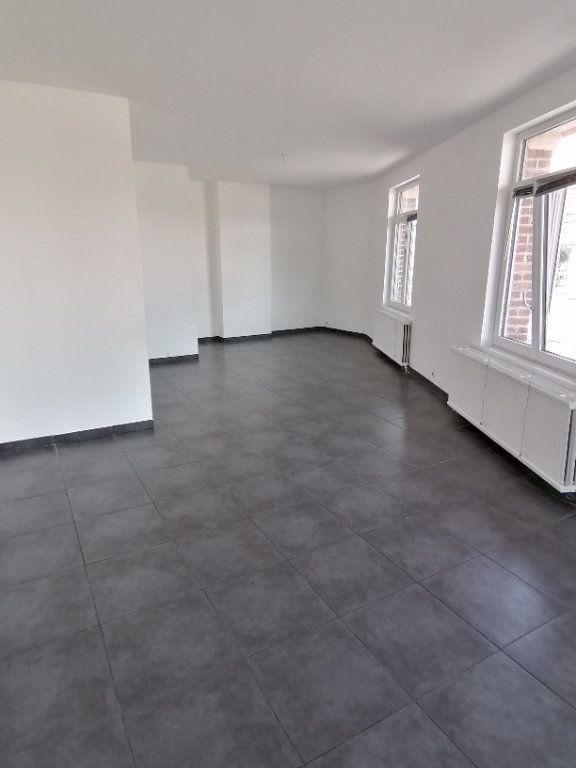 Appartement à louer 3 93.54m2 à Béthune vignette-2